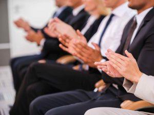 audiencia aplaudiendo 5